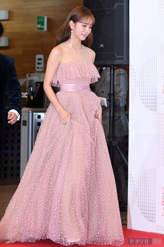 05ce186fd06e5 Thoughts on 2018 MBC Entertainment Awards Outfits  - Beauty ...