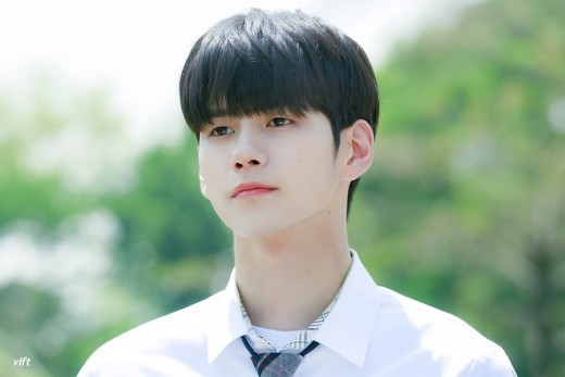 "[K-Drama]: Chief producer of drama ""Moments of 18"" opened up about casting Ong Seong Wu as the lead actor of the series."
