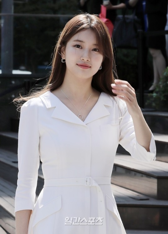 [K-Movie]: Suzy is considering to appearance upcoming movie of director Kim Tae Yong