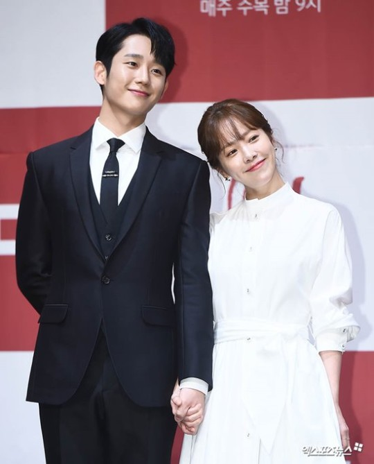 "The press conference ""One Sping Night"" Han Ji Min and Jung Hae In"
