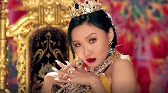 naver] 'GOBCHANG GODDESS -> QUEEN HWASA' SONG ABOUT A BAD LOVE STORY 'TWIT'