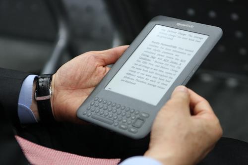 [친절한B씨] '전자책, 어떻게 읽냐'고 하신다면