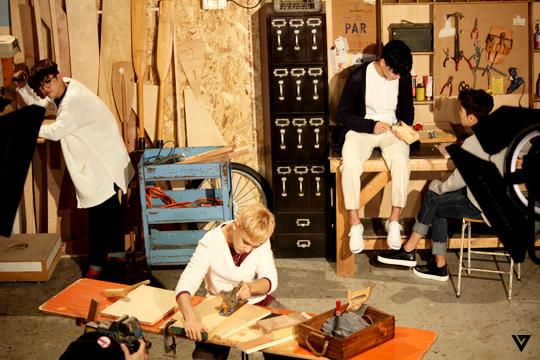 the-scenes of SEVENTEEN 3rd Mini Album 'Going Seventeen' Jacket Pictorial